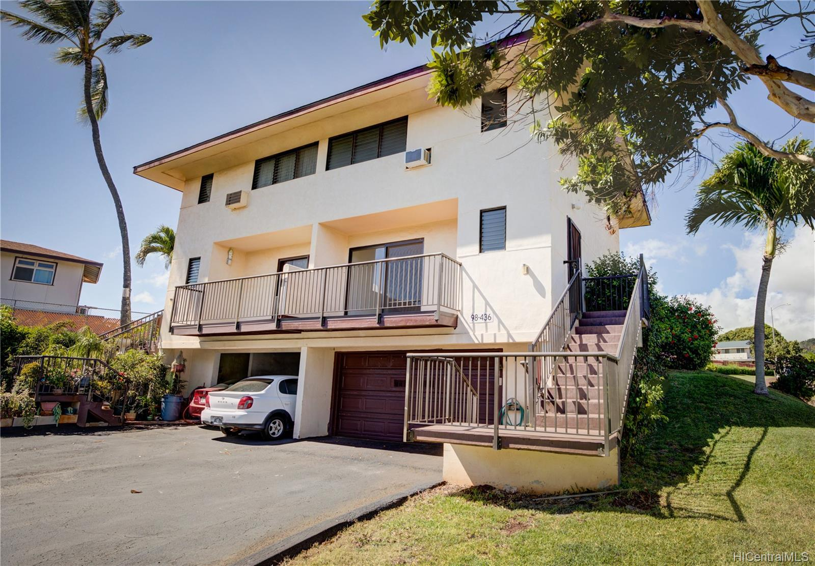 98-436 Kaonohi Street townhouse # 22/480, Aiea, Hawaii - photo 1 of 24