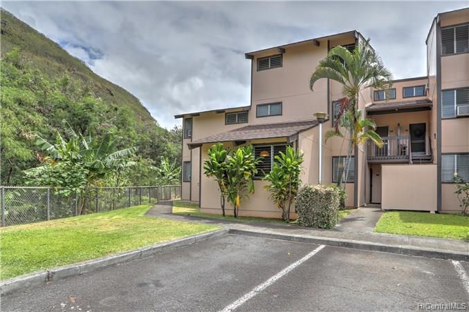 Chateau Newtown Vlg 3 condo #903, Aiea, Hawaii - photo 1 of 24