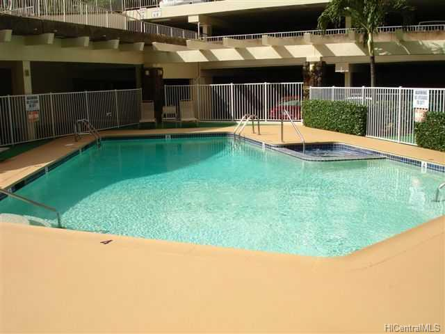 Highlander condo #1001, Aiea, Hawaii - photo 1 of 10