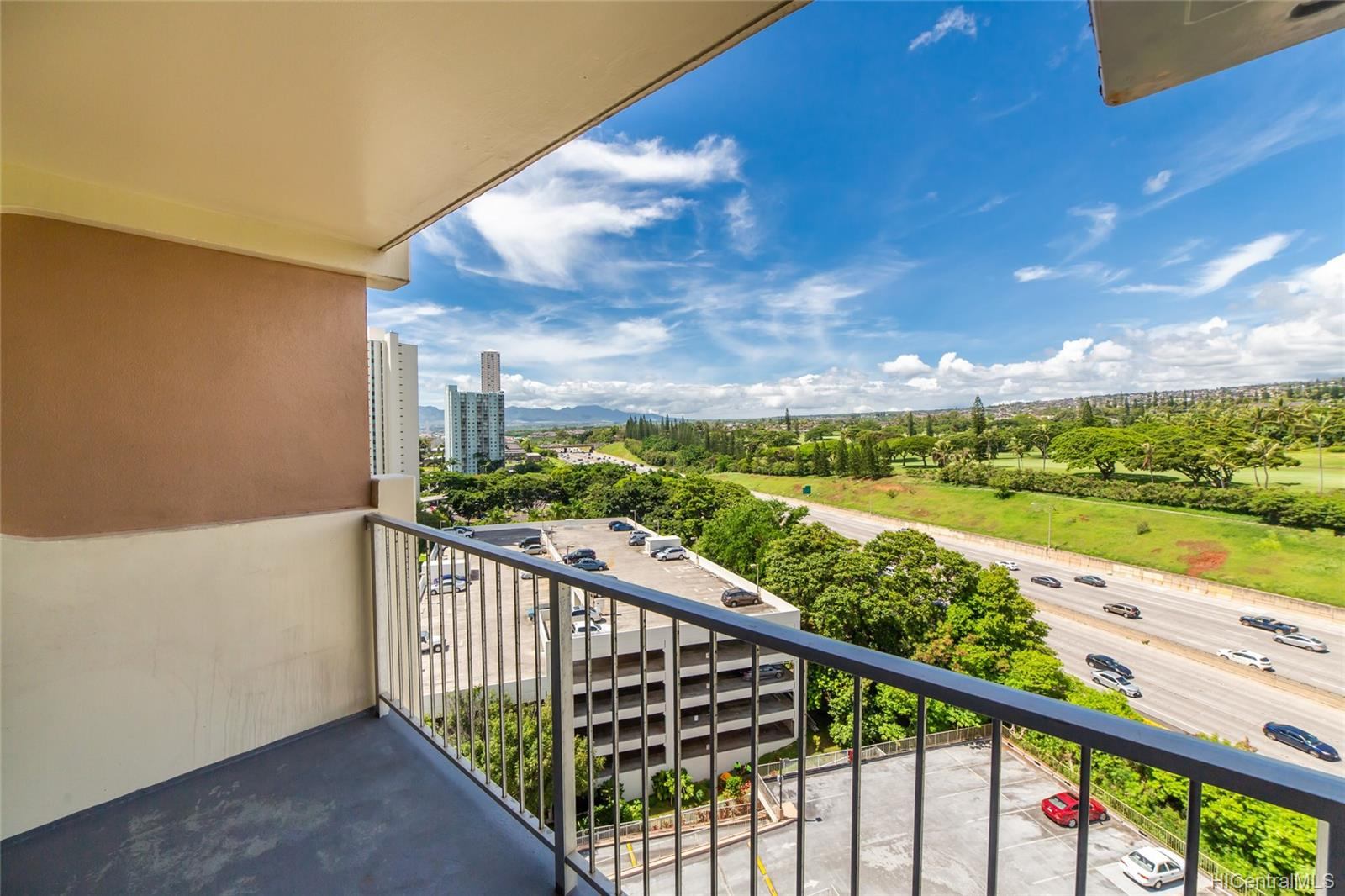 Highlander condo # 1203, Aiea, Hawaii - photo 2 of 15