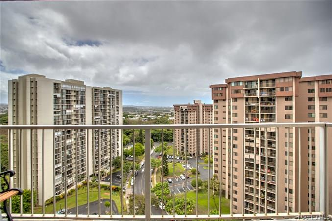 Highlander condo # 1509, Aiea, Hawaii - photo 14 of 22