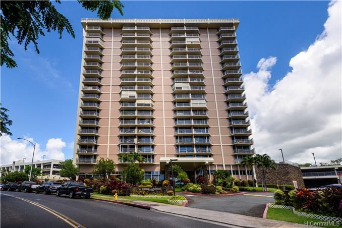 Highlander condo #1604, Aiea, Hawaii - photo 1 of 18