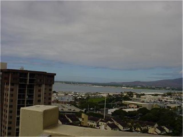 Highlander condo #1612, Aiea, Hawaii - photo 1 of 12