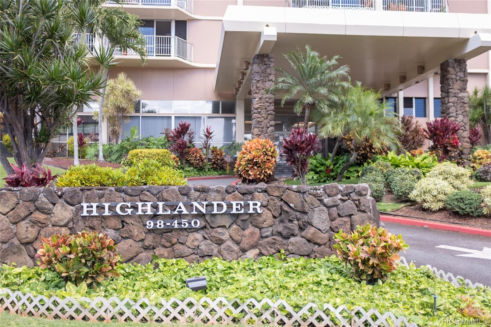 Highlander condo # 1702, Aiea, Hawaii - photo 11 of 11