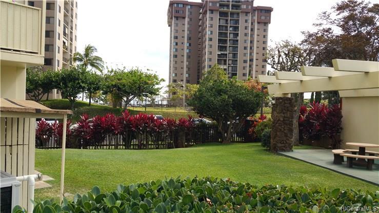 Highlander condo # 1808, Aiea, Hawaii - photo 8 of 12