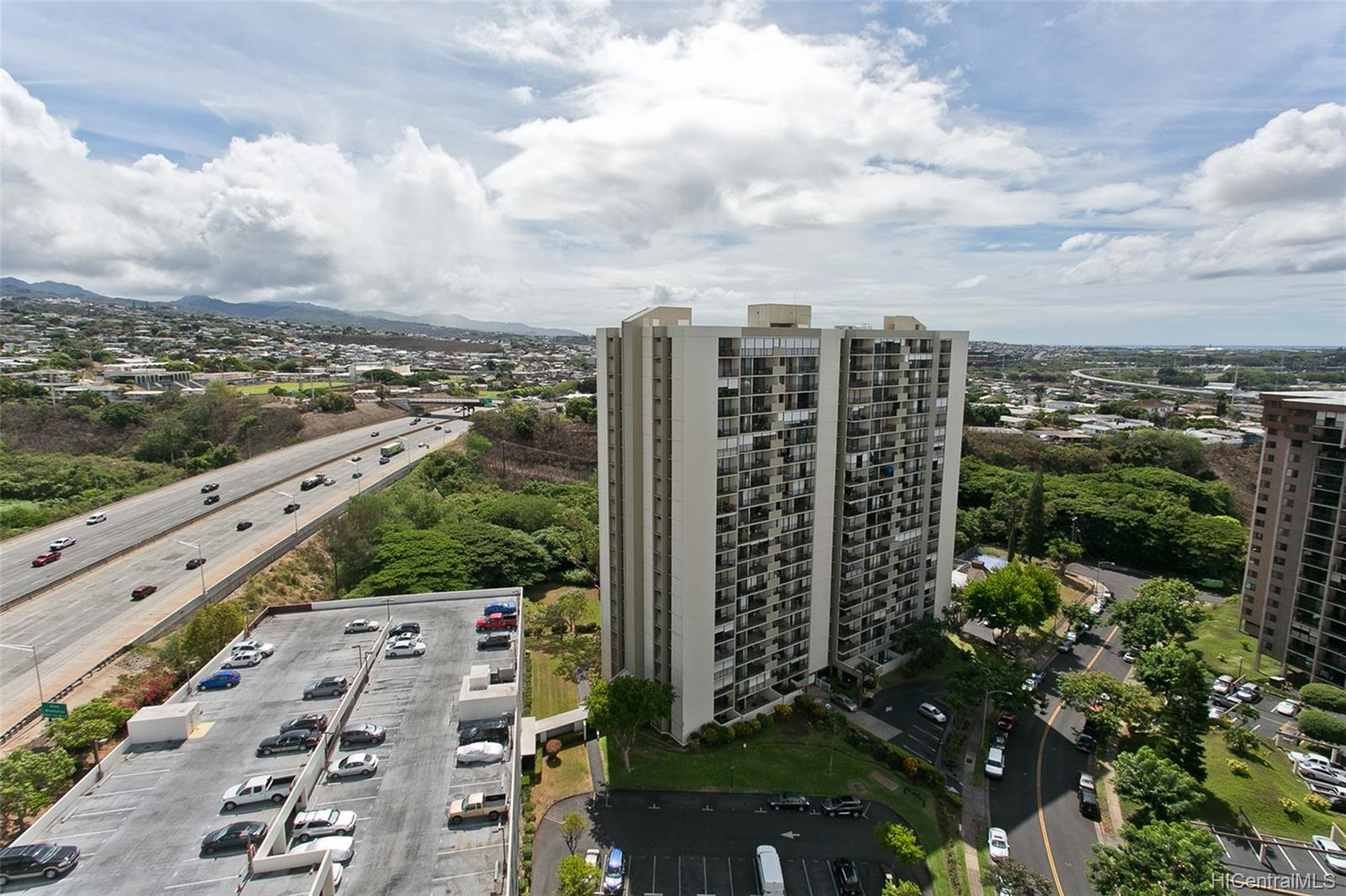 Highlander condo # 1908, Aiea, Hawaii - photo 9 of 11