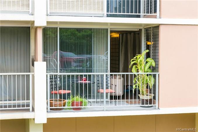 Highlander condo # 204, Aiea, Hawaii - photo 6 of 9