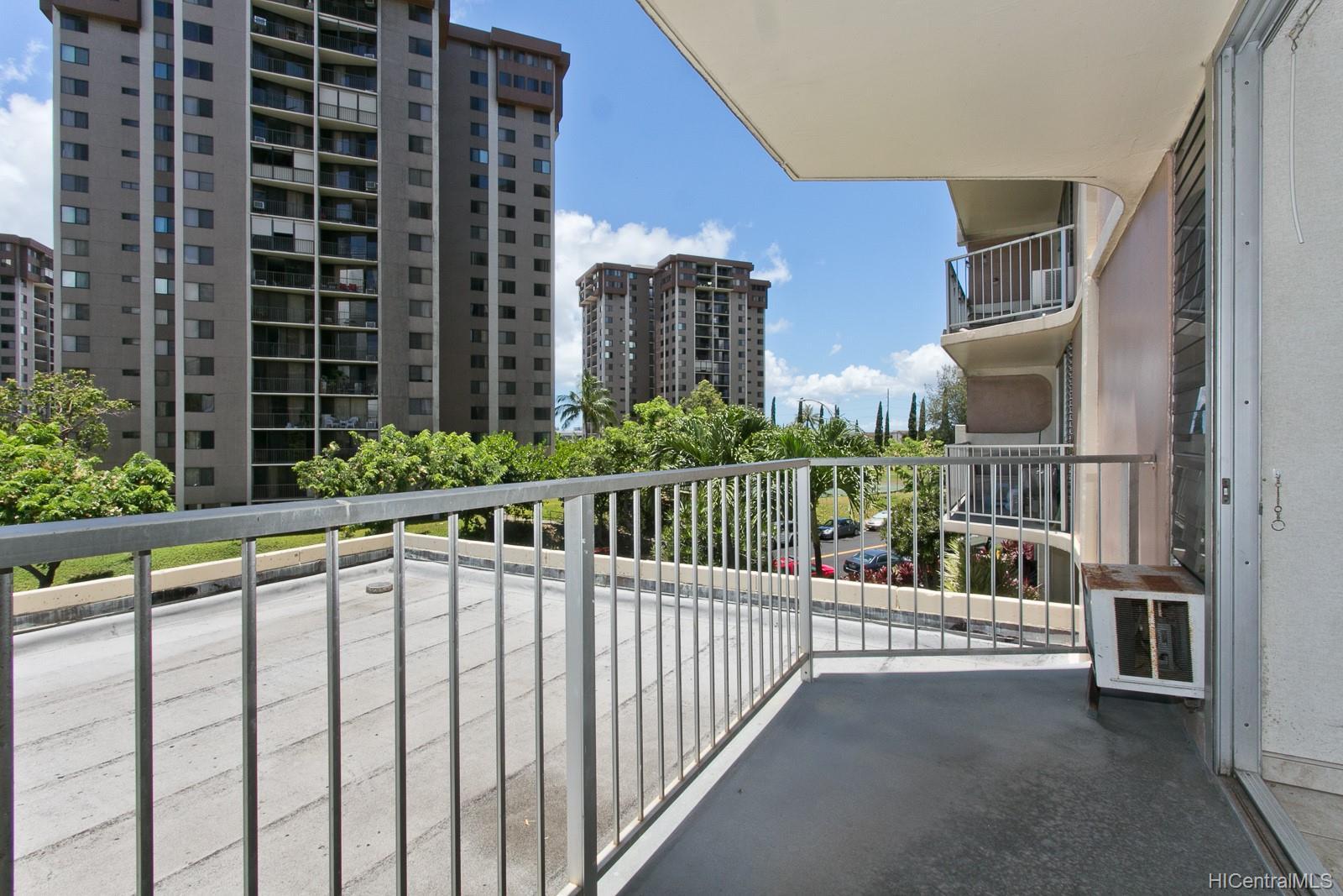 Highlander condo # 209, Aiea, Hawaii - photo 14 of 18