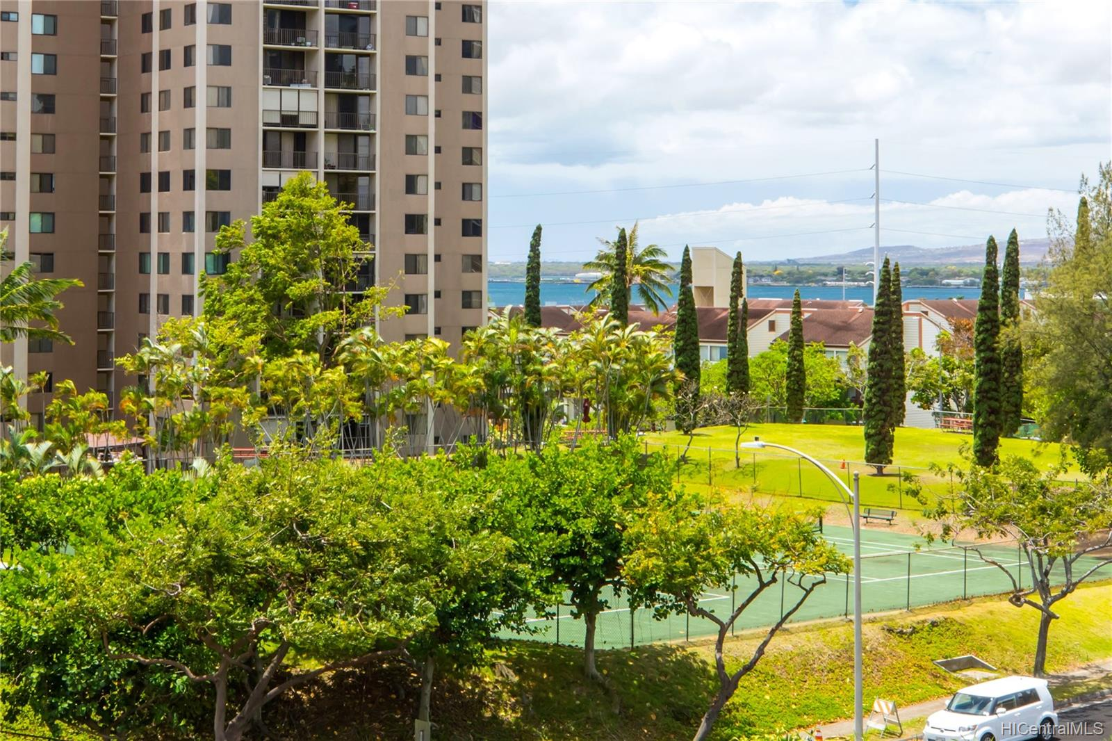 Highlander condo # 407, Aiea, Hawaii - photo 8 of 17