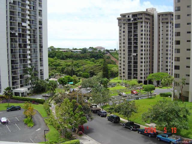 Highlander condo # 509, Aiea, Hawaii - photo 4 of 6