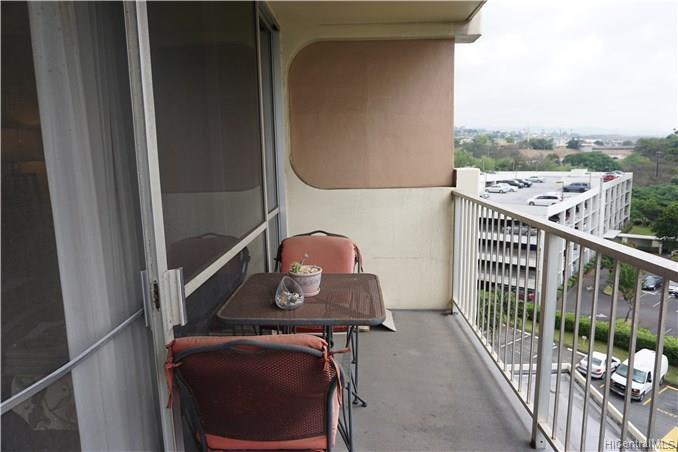 Highlander condo # 511, Aiea, Hawaii - photo 8 of 12