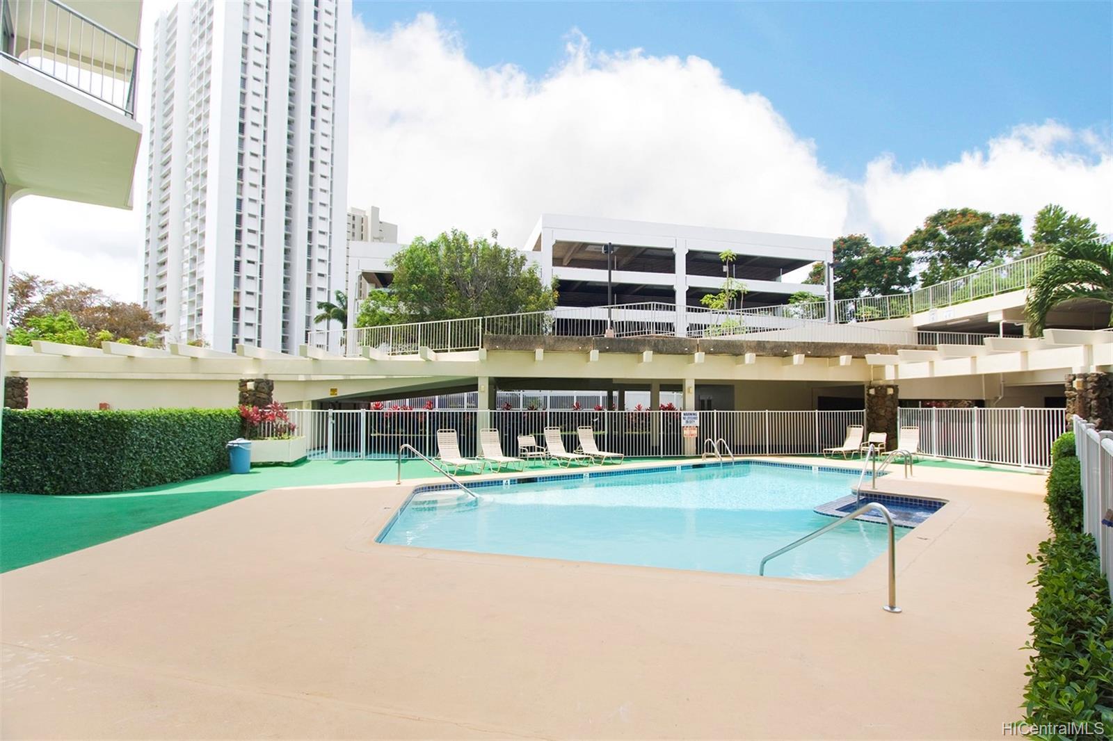 Highlander condo # 704, Aiea, Hawaii - photo 23 of 25