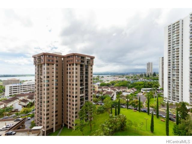 Park At Pearlridge condo #B1304, Aiea, Hawaii - photo 1 of 18