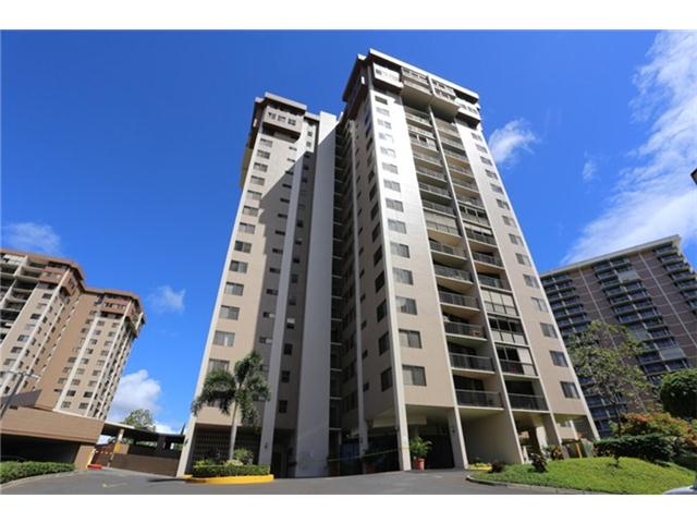 Park at Pearlridge condo #B906, Aiea, Hawaii - photo 1 of 10