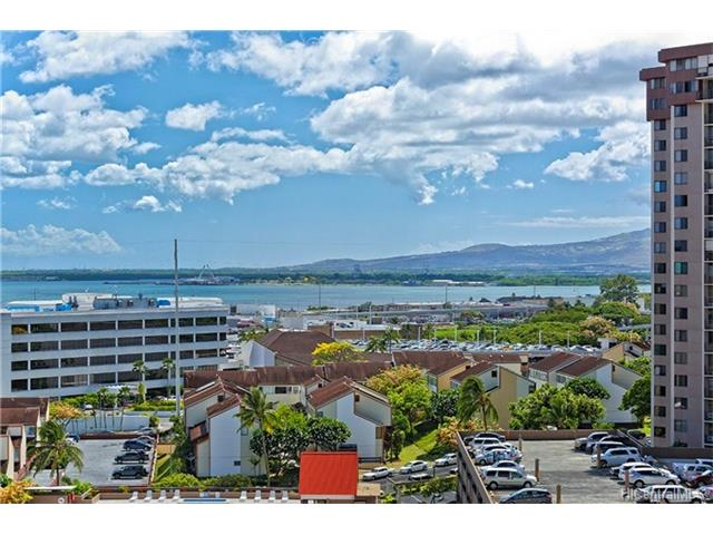 Pearl 1 condo #11K, Aiea, Hawaii - photo 1 of 18