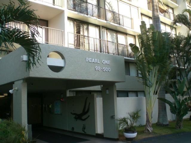 Pearl 1 condo #15P, Aiea, Hawaii - photo 1 of 8