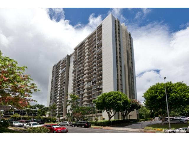 Pearl 1 condo #4D, Aiea, Hawaii - photo 1 of 11