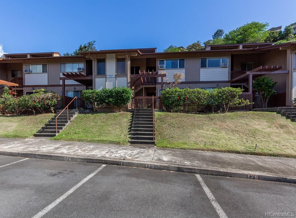 Newtown Meadows condo # 5F2, Aiea, Hawaii - photo 1 of 25