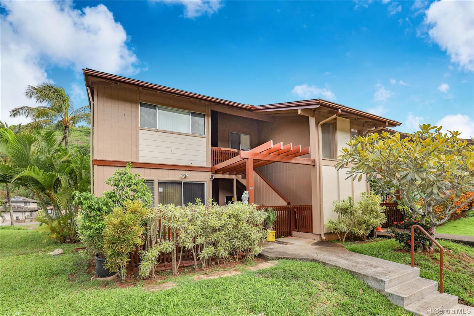 Newtown Meadows condo # 3A2, Aiea, Hawaii - photo 1 of 23