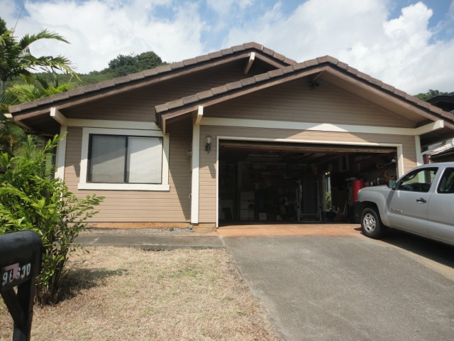 Lania Pl Newtown, Aiea home - photo 1 of 13