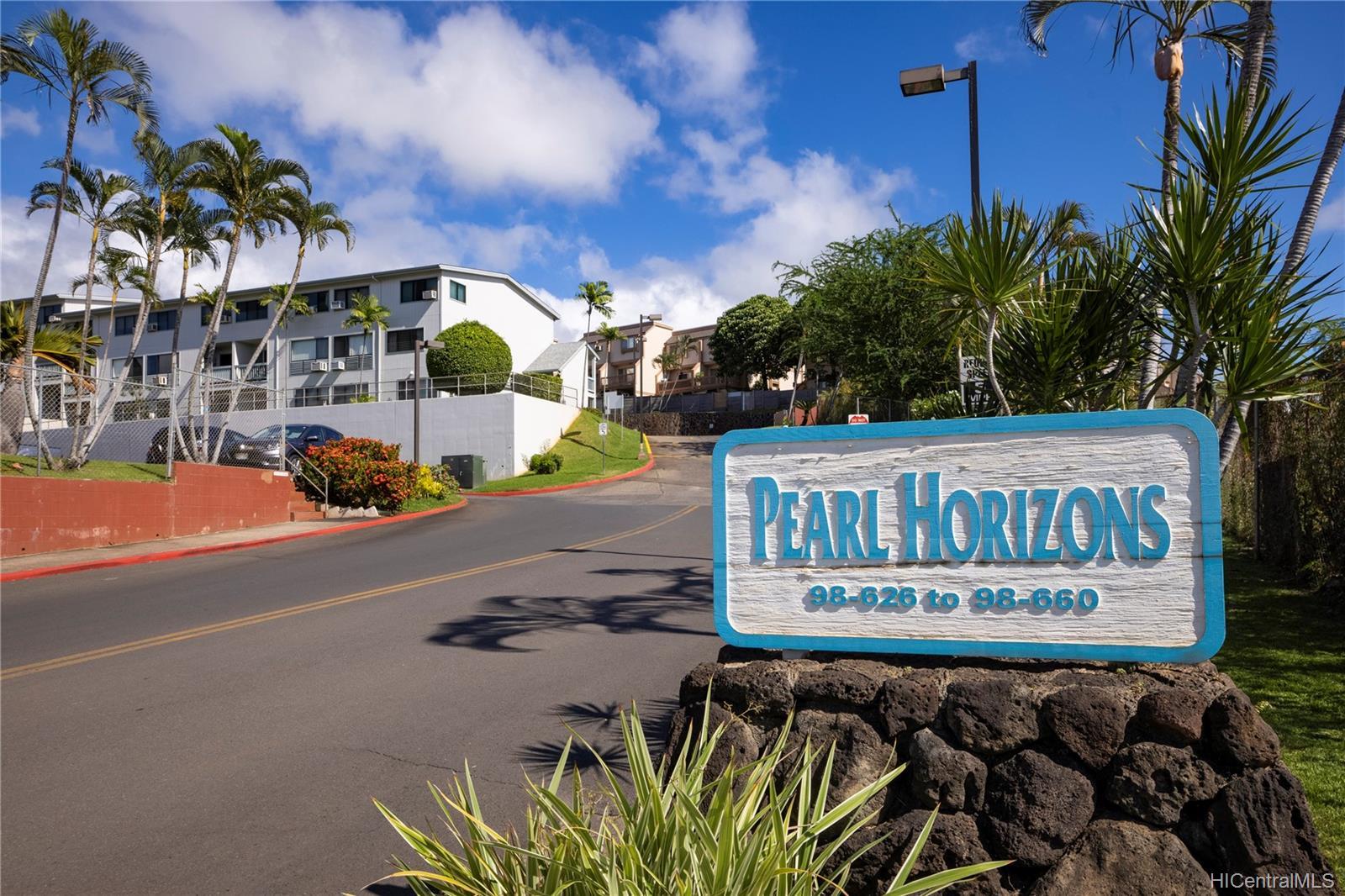 Pearl Horizons 1 condo # 317, Aiea, Hawaii - photo 1 of 24
