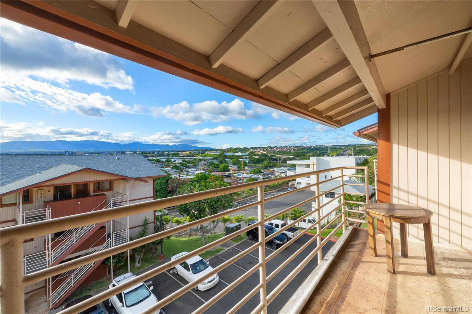 Pearl Horizons 1 condo # 317, Aiea, Hawaii - photo 3 of 24