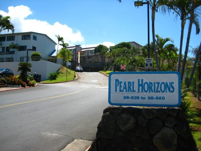 Pearl Horizons 3A condo #2038, Aiea, Hawaii - photo 1 of 13