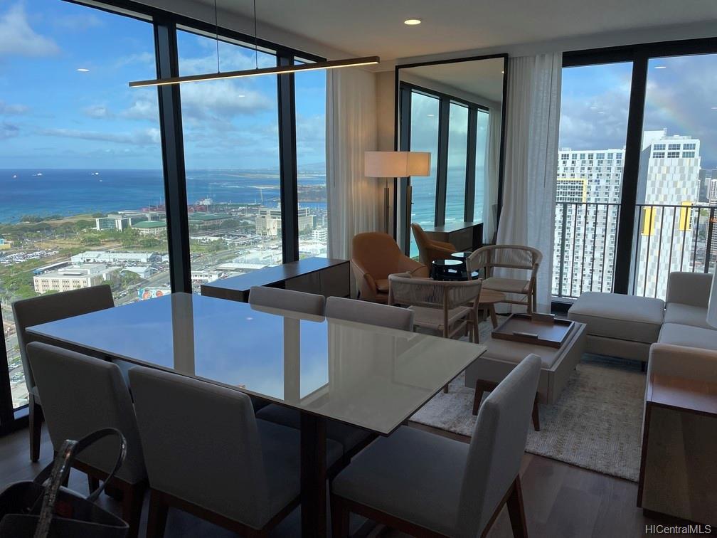 987 Queen Street Honolulu - Rental - photo 1 of 16