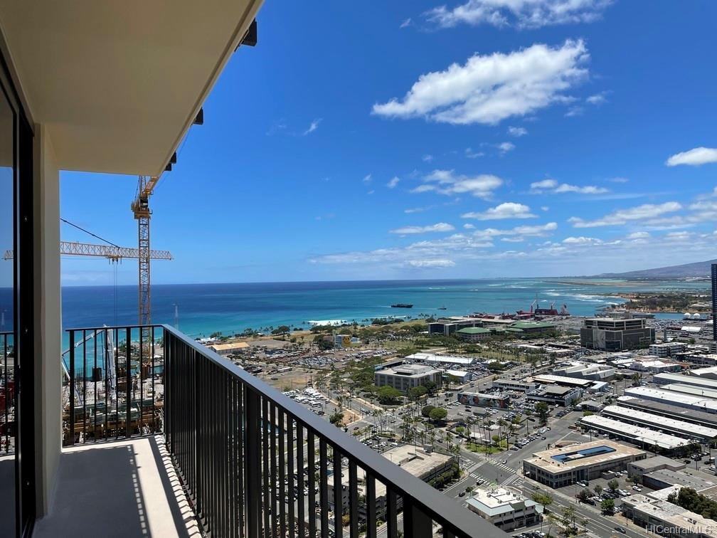 987 Queen Street Honolulu - Rental - photo 3 of 16