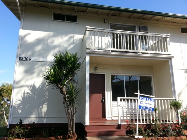 Ridgeway D condo #A, Aiea, Hawaii - photo 1 of 8