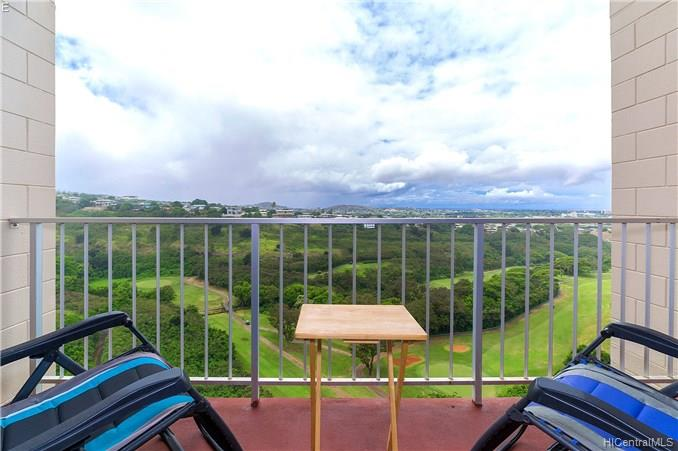 Colonnade On Greens condo #4/1004, Aiea, Hawaii - photo 1 of 24