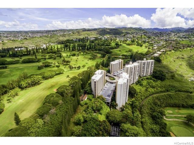 Colonnade on Greens condo #4202, Aiea, Hawaii - photo 1 of 1