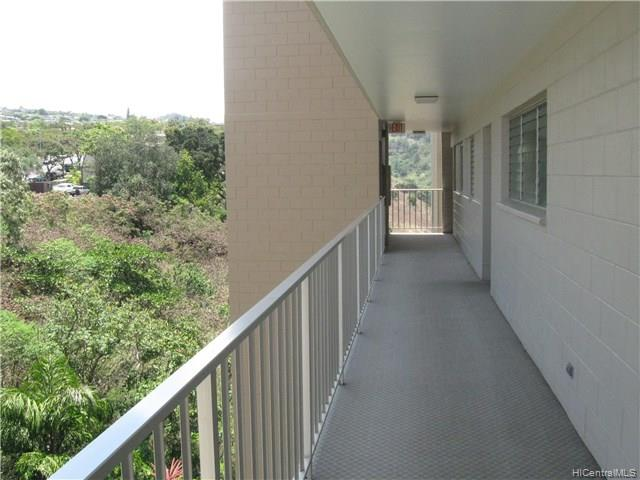 Colonnade On Greens condo # 5-1102, Aiea, Hawaii - photo 5 of 24