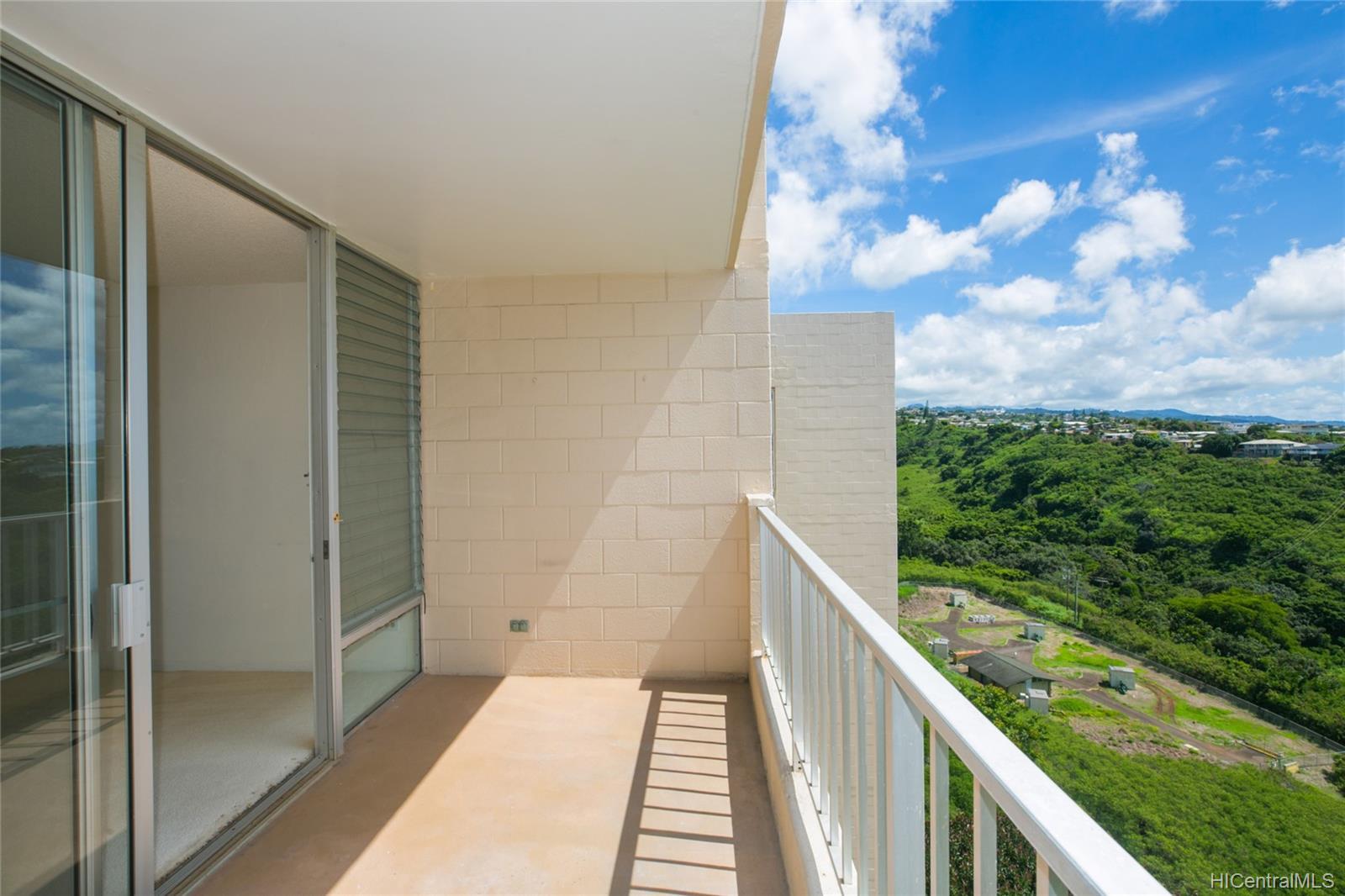 Colonnade On Greens condo # 5/1404, Aiea, Hawaii - photo 6 of 25