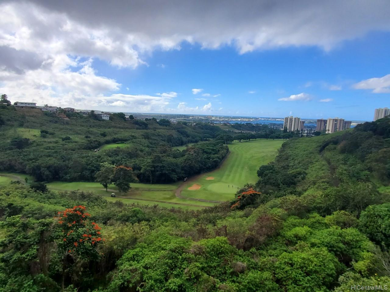 Colonnade On Greens condo # 5504, Aiea, Hawaii - photo 2 of 11