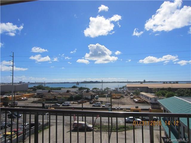 Pearl Ridge Terraces condo #303, Aiea, Hawaii - photo 1 of 15
