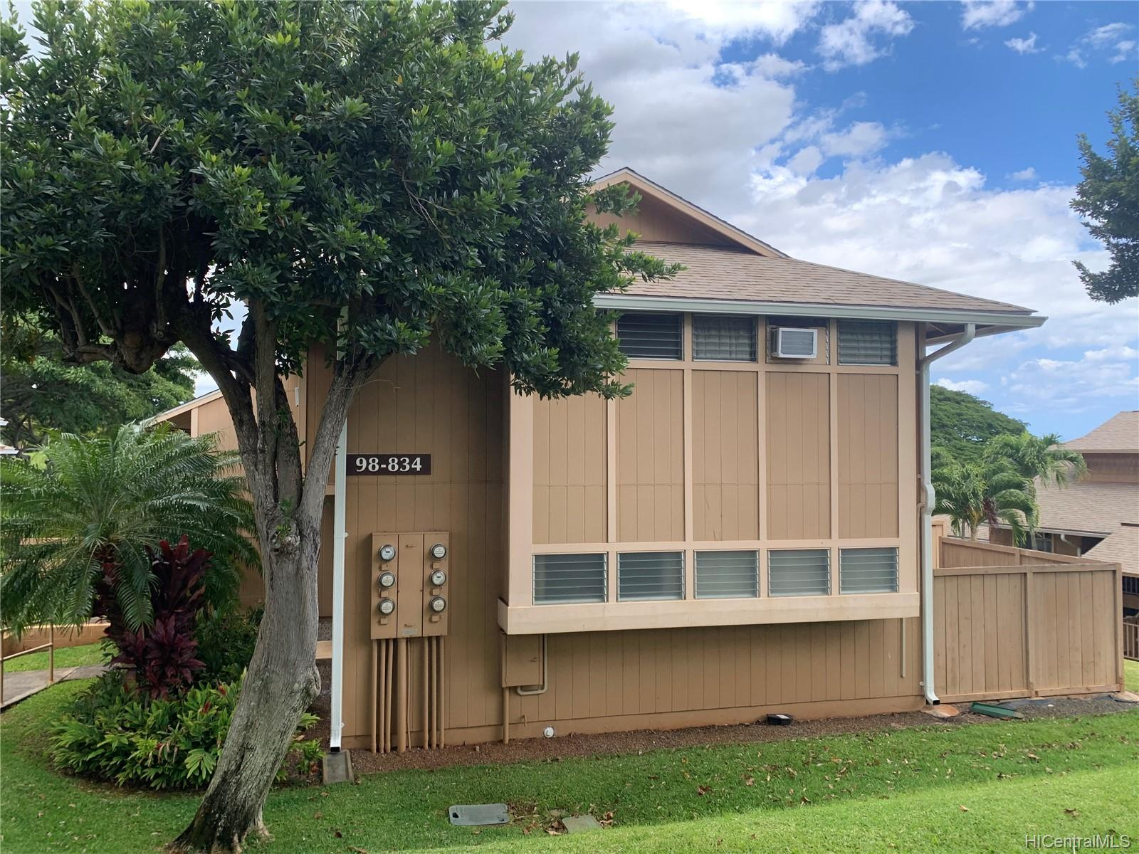 98-834 Noelani Street townhouse # 12, Pearl City, Hawaii - photo 1 of 3