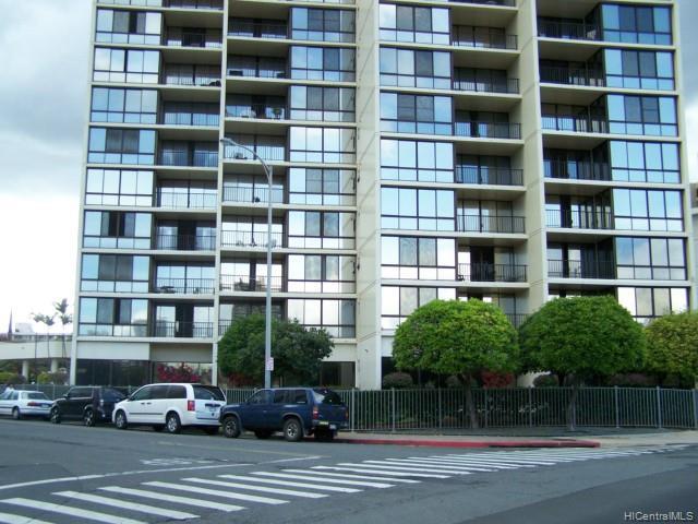 Franklin Towers condo # 6C, Honolulu, Hawaii - photo 1 of 24