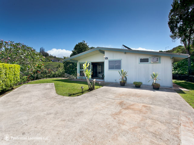 99-120A Waipao Pl Aiea Heights, Aiea home - photo 1 of 15