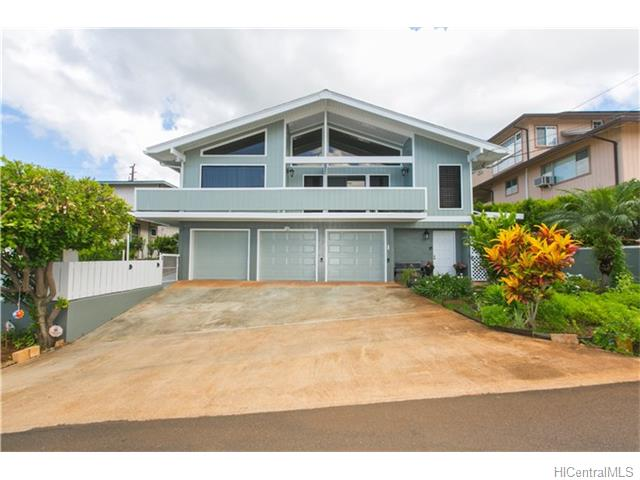 99-410  Hakina St Aiea Heights, Aiea home - photo 1 of 25