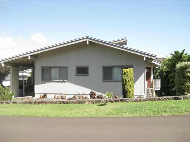 99-560 Kahilinai Pl Aiea Heights, Aiea home - photo 1 of 18