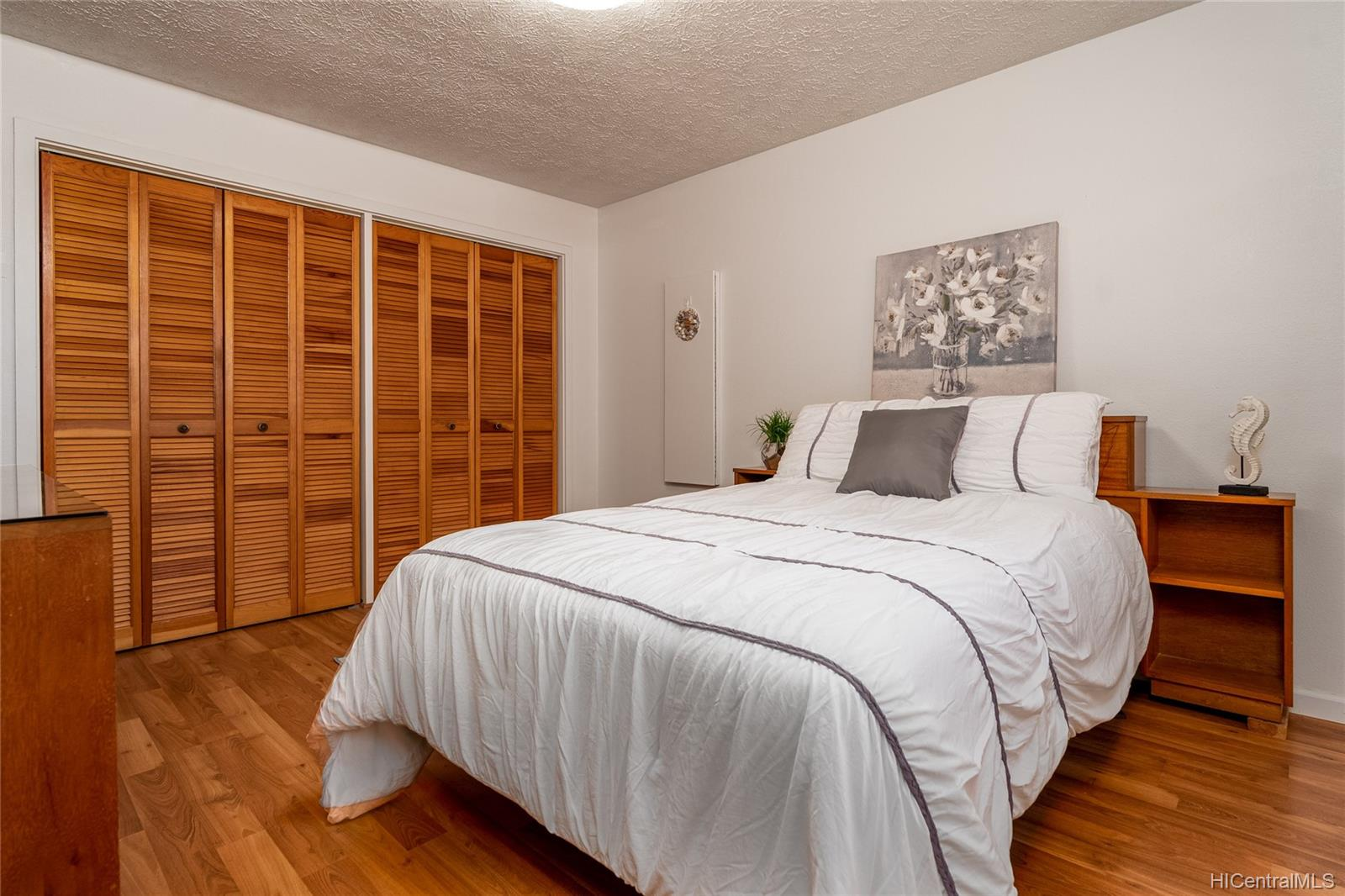 99-570  Hoio Street Aiea Heights, PearlCity home - photo 11 of 25