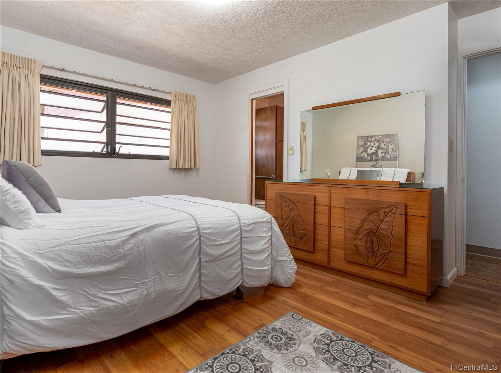 99-570  Hoio Street Aiea Heights, PearlCity home - photo 12 of 25
