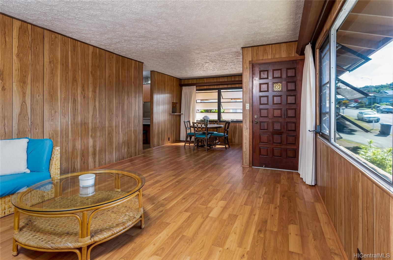 99-570  Hoio Street Aiea Heights, PearlCity home - photo 5 of 25