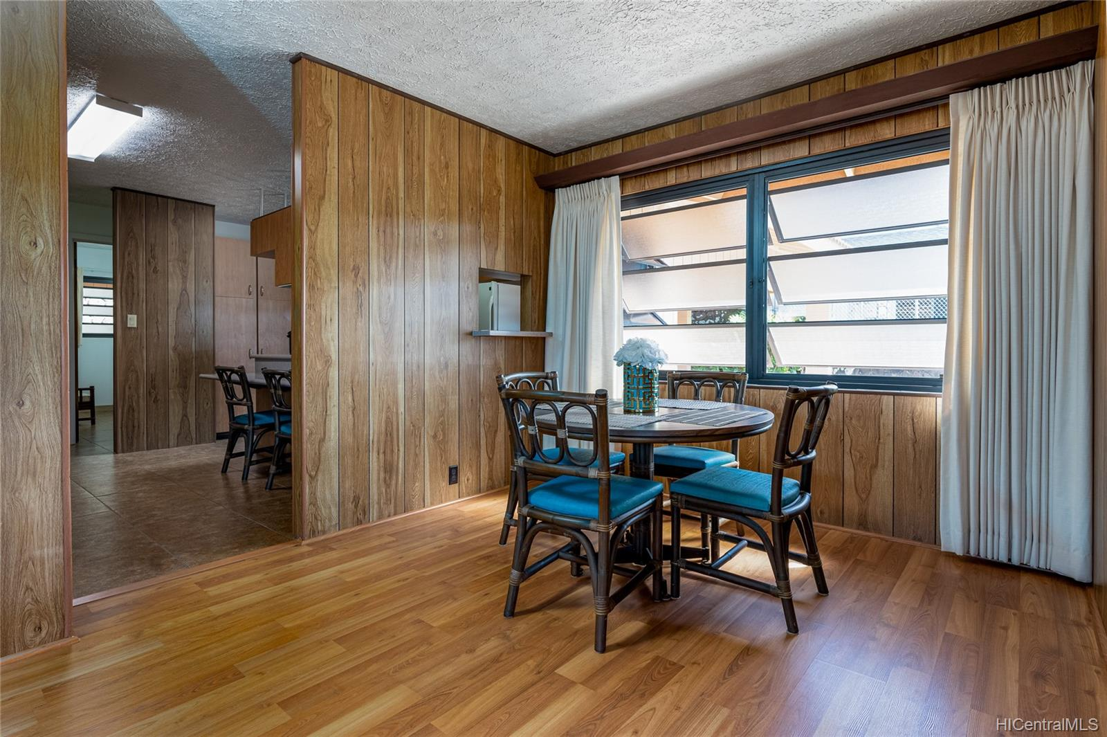 99-570  Hoio Street Aiea Heights, PearlCity home - photo 6 of 25