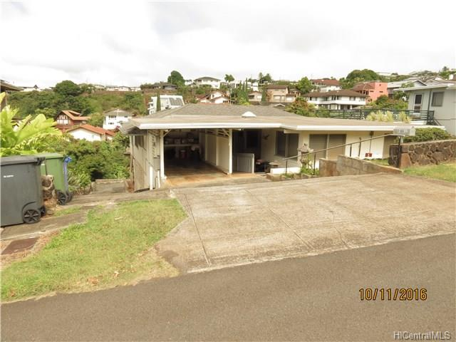 99-632 Kahilinai Pl Aiea Heights, Aiea home - photo 1 of 25