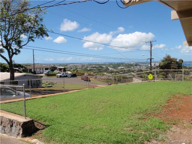 99-738  Poko Rd Halawa, Aiea home - photo 1 of 10