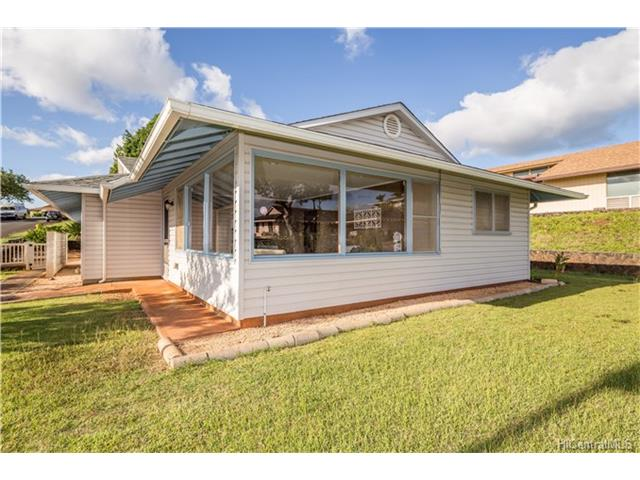 Aiea Heights, Aiea home - photo 1 of 25