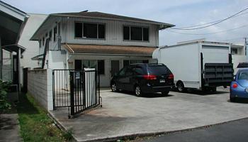 1008 Akoko St Honolulu - Multi-family - photo 3 of 9