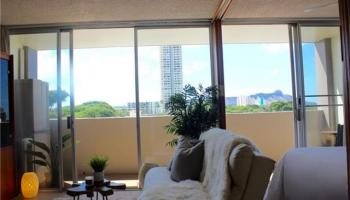 University Villa condo # 605, Honolulu, Hawaii - photo 1 of 11